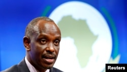 Umushikiranganji w'u Rwanda w'Imigenderanire n'ayandi makungu, Richard Sezibera, mu kiganiro n'abanyamakuru i Buruseli mu Bubiligi, italiki 22/01/2019.