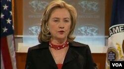 """""""La historia ha demostrado que los gobiernos que respetan los DD.HH. han sido siempre más estables y más prósperos"""", señaló Clinton."""