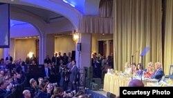 台湾候任副总统赖清德2020年2月6日参加美国国家祈祷早餐会时坐在特朗普总统前方台下(与会者提供)