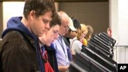 تا برگزاری انتخابات میان دوره یی امریکا چند ساعت دیگر باقیمانده است