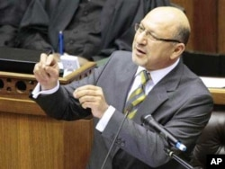 Leading ANC officials, such as Minister in the Presidency Trevor Manuel, have broken ranks to criticize the party ahead of the elections