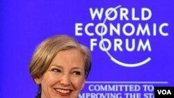 Pimpinan eksekutif DuPont USA, Ellen Kullman dalam sidang Agenda Global Tahun 2011 pada Forum Ekonomi Dunia di Davos, Swiss.