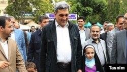این عکس از «پیروز حناچی» در راهپیمایی موسوم به «روز قدس» در رسانههای ایران پیشتر منتشر شده بود.