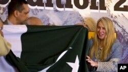 وانیسا اوبراین، امریکایی بریتانیایی تبار حین آغاز سفرش برای تسخیر کوه K2 به تاریخ ۱۵ جون ۲۰۱۷