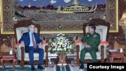 ျမန္မာႏိုင္ငံဆိုင္ရာ အေမရိကန္သံအမတ္ႀကီးScot Marciel နဲ႔ ေတြ႕ဆံုၾကရာမွာ ျမန္မာတပ္မေတာ္ဦးစီးခ်ဳပ္ ဗိုလ္ခ်ဳပ္မႈးႀကီး မင္းေအာင္လိႈင္ (Senior General Min Aung Hlaing)