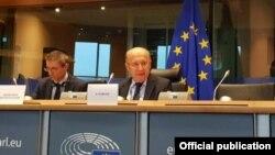 ანდრიუს კუბილიუსი: დემოკრატიული განვითარება ქვეყანაში საფრთხის ქვეშაა