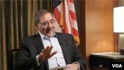 Sekretar za odbranu Lion Paneta u razgovoru za Glas Amerike istakao je da je neophodno održati vojnu etiku.