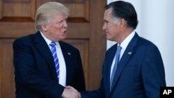 Дональд Трамп и Митт Ромни. Бедминстер, штат Нью Джерси. 19 ноября 2016 г.