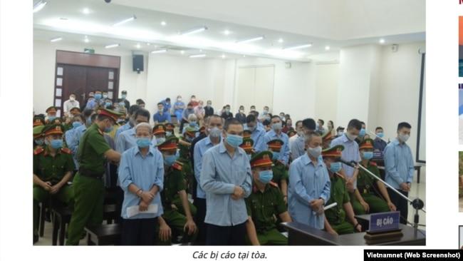Các bị cáo trong phiên xử sơ thẩm vụ án Đồng Tâm vào ngày 9/9/2020.