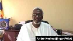 Professeur Mahamat Barko, recteur de l'université de N'Djamena le 12 octobre 2017 (VOA André Kodmadjingar), le 12 octobre 2017 (VOA André Kodmadjingar), le 12 octobre 2017. (VOA/André Kodmadjingar)