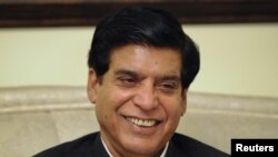 Sobiq suv va energetika vaziri Raja Parvez Ashrafni aksariyat deputatlar qo'llab-quvvatladi.