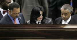 Jesse Jackson, singer Michael Jackson, and Al Sharpton were seen around the world as they mourned singer James Brown at his funeral in 2009. A few months later, Jackson's own memorial service would attract an even larger online audience.