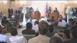 克林顿继续与巴基斯坦官员会谈