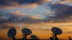 فعالان حقوق بشر از انداختن پارازیت روی برنامه های ماهواره ای به ایران انتقاد می کنند