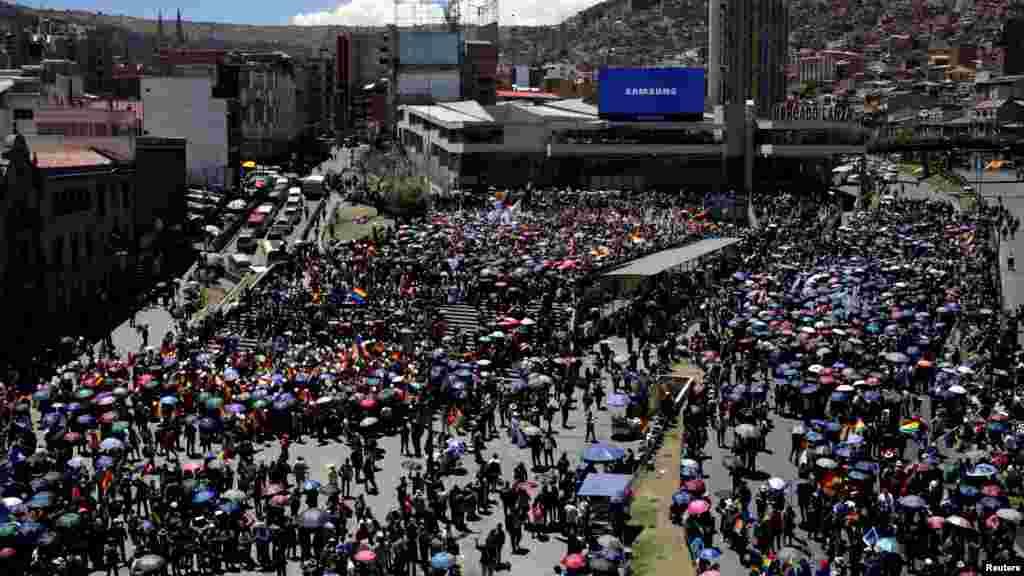 Partidarios del presidente Evo Morales se reúnen durante un mitin en La Paz.