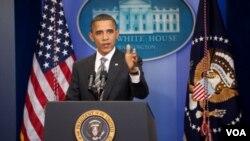 Presiden Barack Obama menyampaikan kajian soal strategi di Afghanistan di Gedung Putih, Kamis.