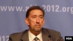 Dr. Paul De Lay, Deputy Director, UNAIDS (De Capua)