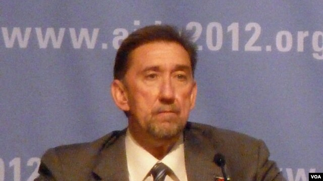 Dr. Paul De Lay, Deputy Director, UNAIDS (De Capua)