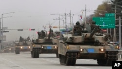 지난 4월 경기도 파주에서 한국군 K-1 전차부대가 훈련을 벌이고 있다. (자료사진)