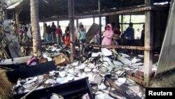 Trường tiểu học được sử dụng làm địa điểm bầu cử bị đốt cháy tại Feni, Bangladesh.