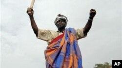 Kumba Ialá no momento de regresso a Bissau (Arquivo)