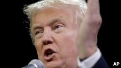 """Donald Trump dijo que """"las cadenas de televisión quieren hacer explotar la audiencia con ese acontecimiento""""."""