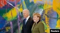 Biden û Merkel, 2013