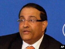 伊斯瓦伦 新加坡贸易,工业和教育部部长