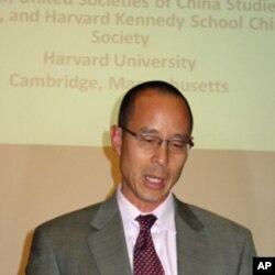 哈佛大学肯尼迪政府学院ASH中心主任朱利安。张博士