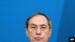 法國內政部長蓋昂。
