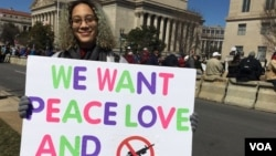 Leila Duffield is seen during the March for Our Lives gun control demonstration on March 24, 2018, in Washington D.C. (Dorry Gundy/VOA)