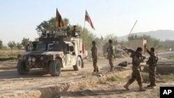 Tentara Afghanistan usai bentrokan dengan militan Taliban (foto: ilustrasi).