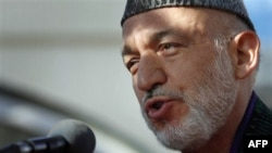 Avganistanski predsednik Hamid Karzai u obraćanju medijima u Kabulu, 16. novembar 2010.