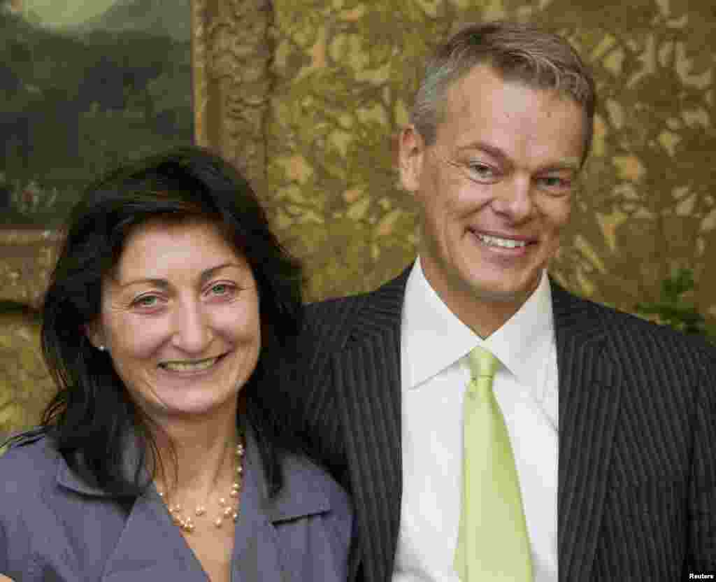 May-Britt and Edvard Moser, 2014 Nobelists in Medicine, smile as they receive the Fernstrom award in Lund, Norway in this Sept. 22, 2008 file photo.
