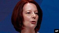 جولیا گیلارد، نخست وزیر استرالیا، که خبر نجات یافتن سرنشینان کشتی را اعلام کرد
