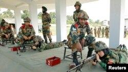 کئی برسوں سے افغان فوجی افسران اور اہل کار بھارت میں تربیت کے لیے آتے رہے ہیں۔