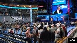 Delegati u areni u kojoj sutra počinje konvencija Demokratske stranke