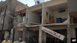 Kelompok militan al-Qaida diduga berada di balik ledakan bom yang mengguncang Damaskus yang menewaskan 55 orang, Kamis (10/5).