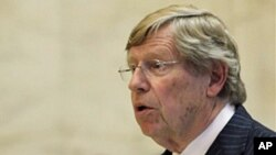 Lawyer Theodore Olson, argues against ban on homosexual marriage in a San Francisco court, 06 Dec 2010