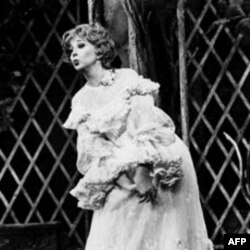 """Beverly Sills sings the role of Norina in Donizetti's """"Don Pasquale, """" at the Metropolitan Opera in New York"""