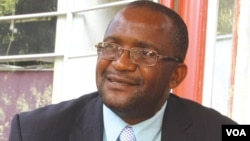 FILE: Movement for Democratic Change secretary general Douglas Mwonzora. (Sebastian Nyamhangambiri for VOA)