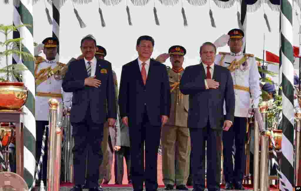 چین کے صدر ژی جنپنگ اپریل میں پاکستان کے دو روزہ دورہ پر تشریف لائے۔