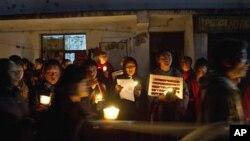 16일 인도 담살라시에서 분신자살한 티베트인들을 기리는 촛불시위. (자료사진)