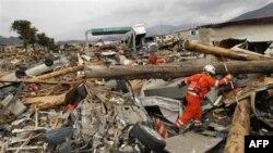 Ekipet e kërkim-shpëtimit vazhdojnë punën në Japoninë verilindore