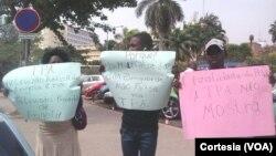 Jovens manifestam-se contra a linha editorial da TPA