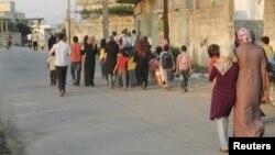Người dân ở Houla, Syria, buộc phải rời bỏ nhà cửa vì chiến tranh, bạo lực và đàn áp.