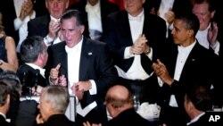Barack Obama et Mitt Romney durant le gala de la fondation Alfred. E. Smith au Waldorf Astoria