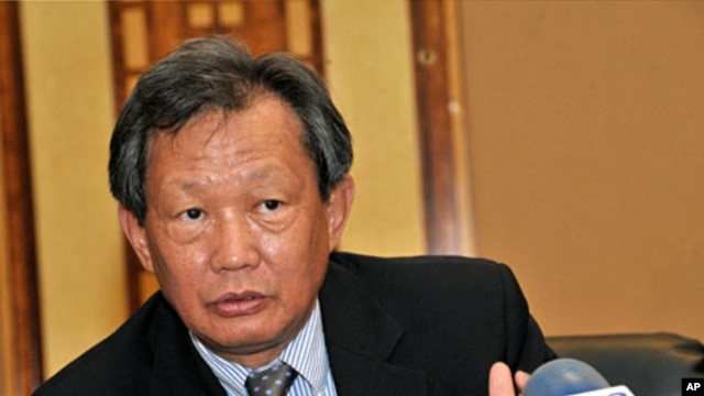 UN special envoy Choi Young-Jin of South Korea during a press conference in Dakar (File)