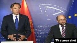 Presednici crnogorskog i Evropskog parlamenta, Ranko Krivokapić i Martin Šulc, na konferenciji za novinare u Briselu