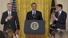 El presidente Obama anuncia la designación de Denis McDonough (izquierda) en sustitución de Jack Lew (derecha)